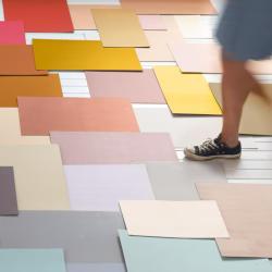 färglappar på golv